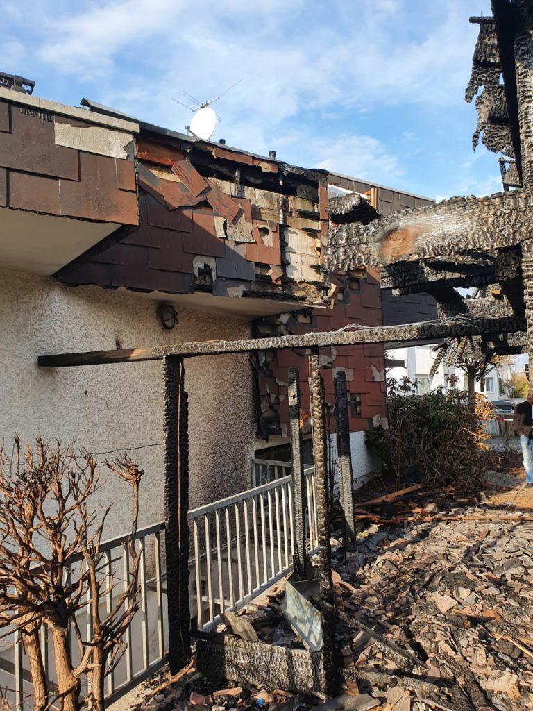 Sanierung von Brandschäden | Abgebranntes Carport -Sanierung durch AsbesTTech Darmstadt