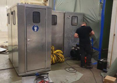 Schwarz-Weiß-Schleuse bei Asbestsanierung durch AsbesTTech Darmstadt