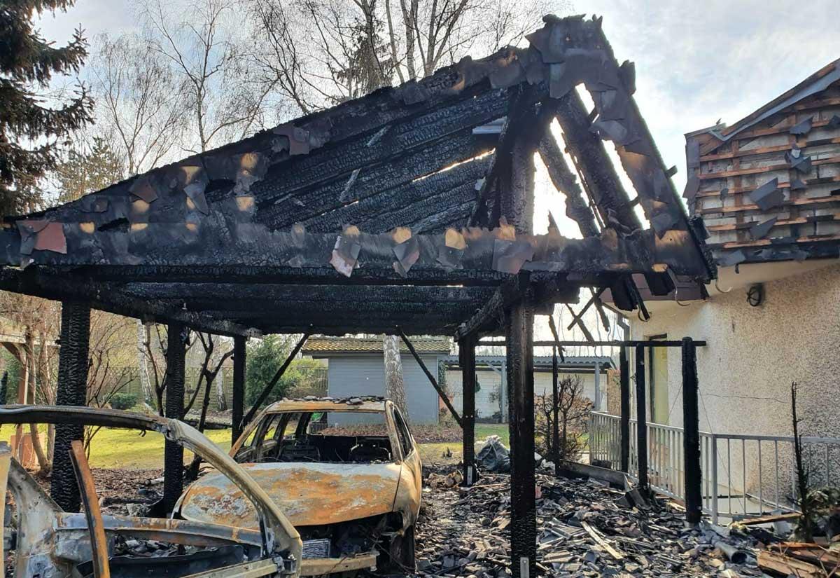 Sanierung von Brandschäden z.B. Abgebrannte Carports durch AsbesTTech Darmstadt